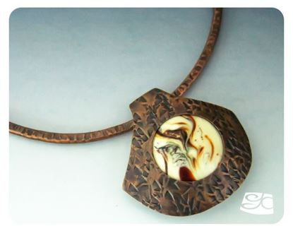 Picture of Fan Pendant with Interchangeable Bead DIY Tutorial