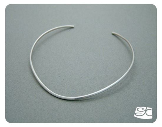 Picture of 10-gauge (2.6mm diameter) handmade sterling Silver neck wire